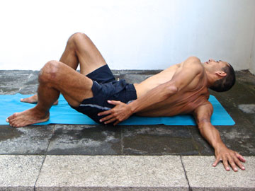 andrey lappa shoulder stretch for the front of the shoulder and chest