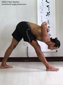 getting even foot pressure in pyramid pose