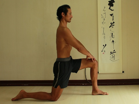psoas stretch, high lunge with external obliques engaged