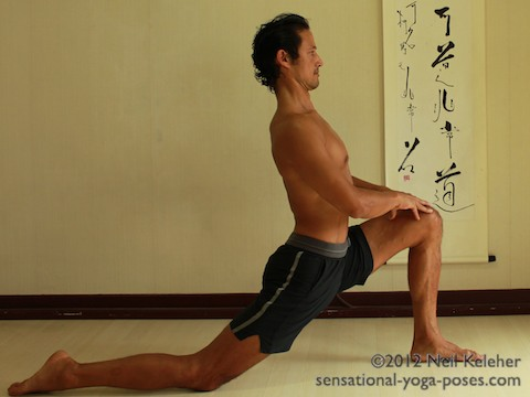 yoga poses for strengthening the back of the body, high lunge